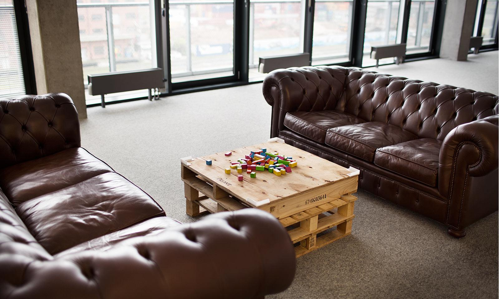 kontakt shift digital agentur hamburg frankfurt. Black Bedroom Furniture Sets. Home Design Ideas